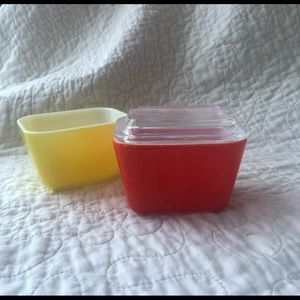 Vintage Pyrex (2) mini loaf pans yellow/red